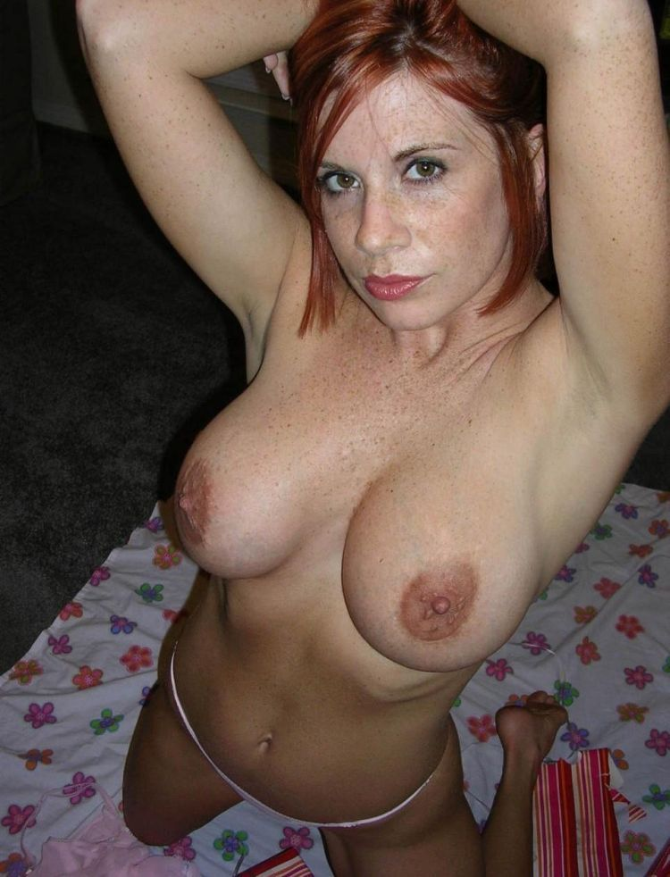 Hot nude mature freckles