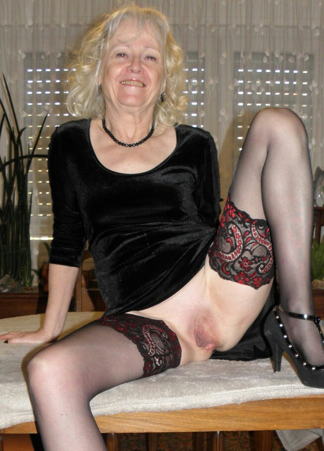 Old mature pussy pics
