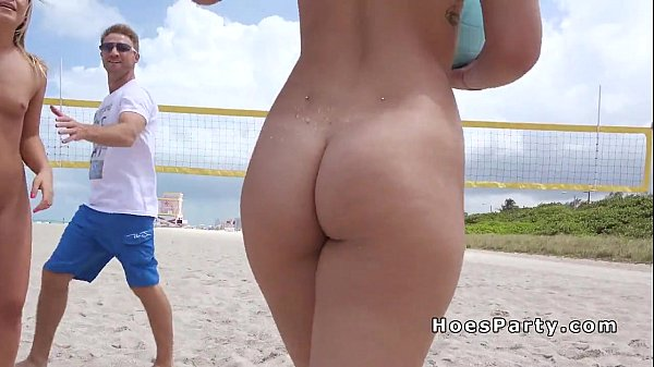 Naked babes on the beach porn