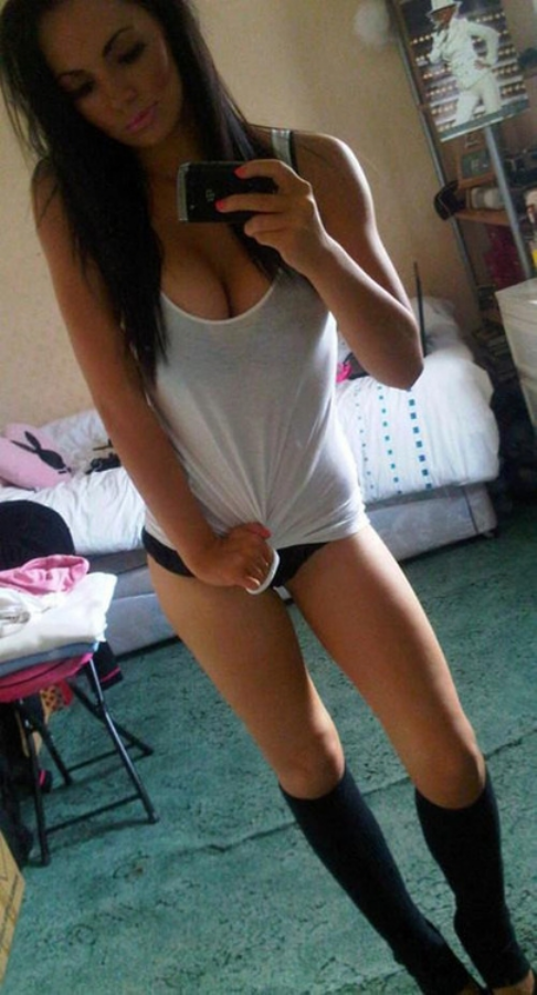 sexy latina girls pictures