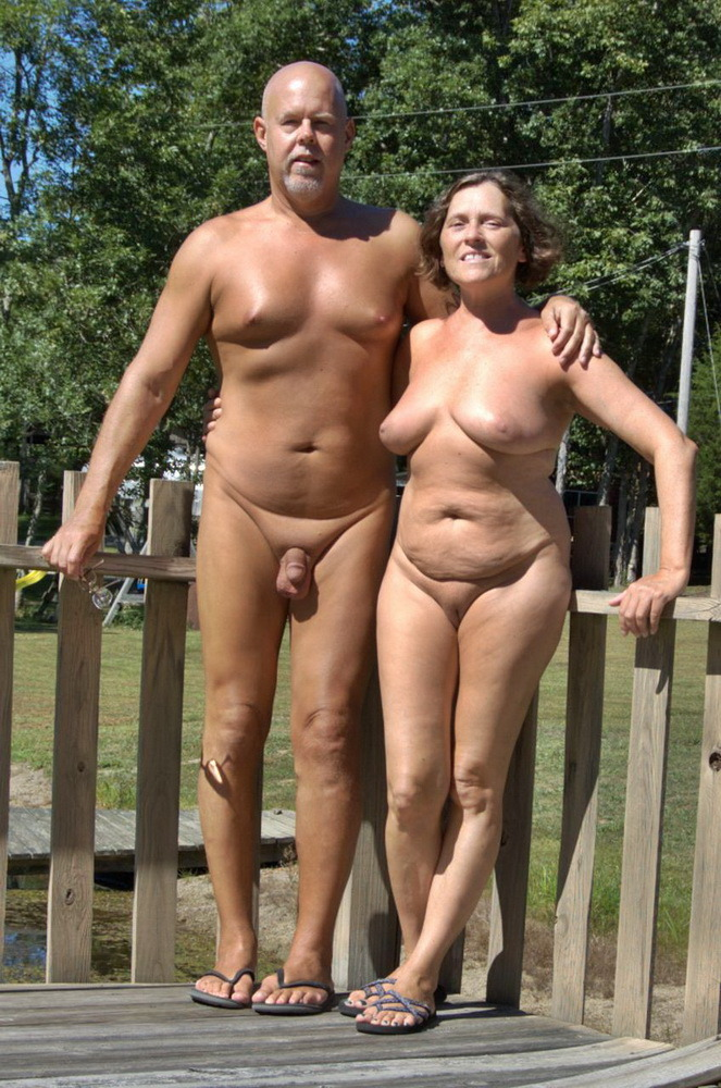 movable pictures of naked girls